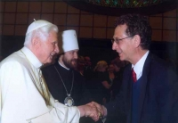 bob shaking hands with pope benedict